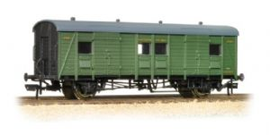 Bachmann 39-525A Southern 'PLV' Passenger Luggage Van, Green Livery